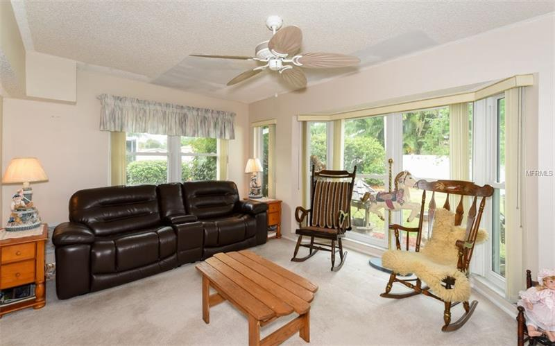 Photo of 7452 W  Country Club Drive (A4184187) 11