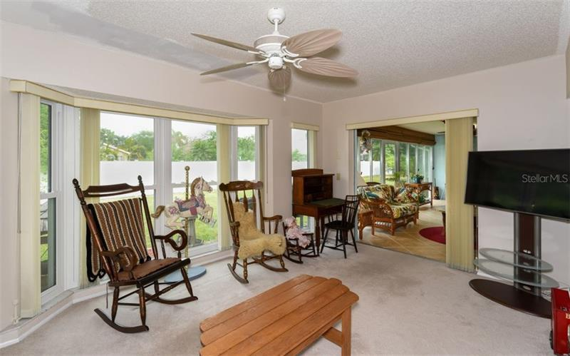 Photo of 7452 W  Country Club Drive (A4184187) 12