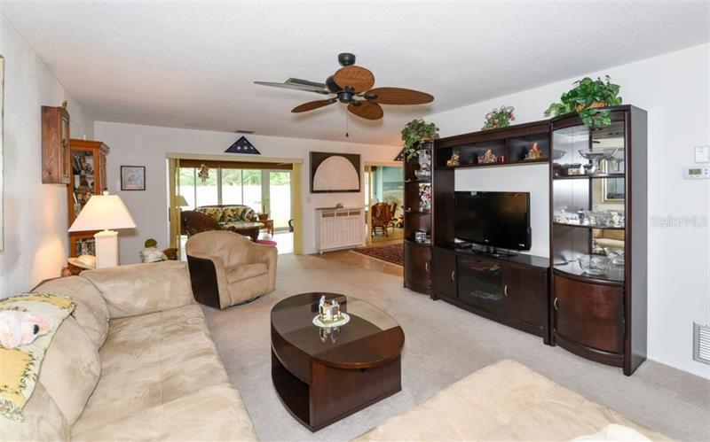 Photo of 7452 W  Country Club Drive (A4184187) 3
