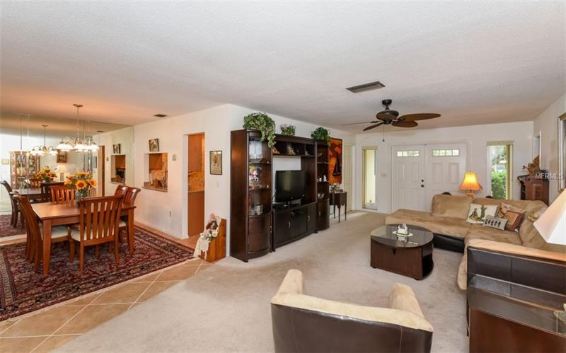 Photo of 7452 W  Country Club Drive (A4184187) 5
