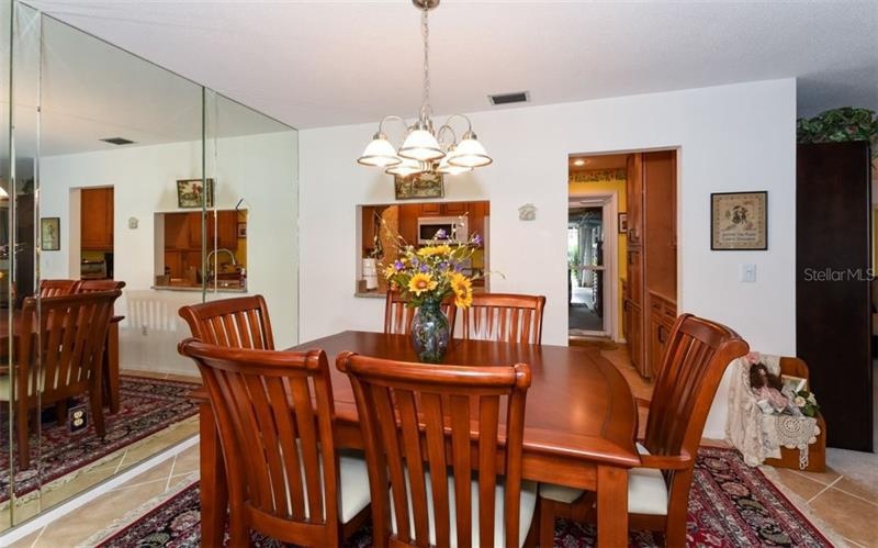 Photo of 7452 W  Country Club Drive (A4184187) 6