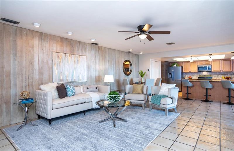 2096 NE TANGLEWOOD, ST PETERSBURG, FL, 33702