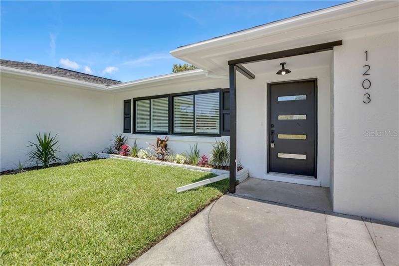 1203 DE NARVAEZ, BRADENTON, FL, 34209