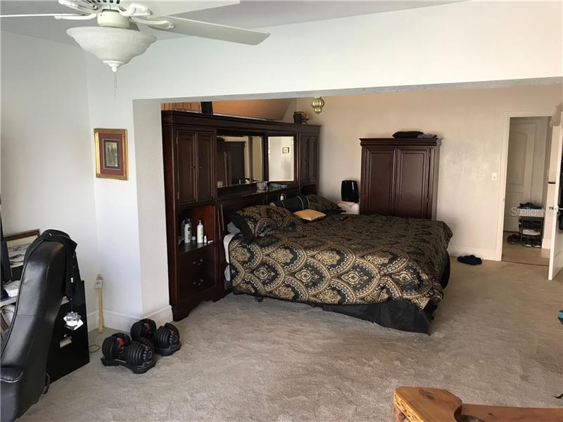 7973 N CAUSEWAY, ST PETERSBURG, FL, 33707