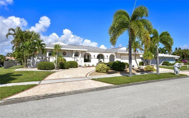 282 SE FIELDS,  PORT CHARLOTTE, FL
