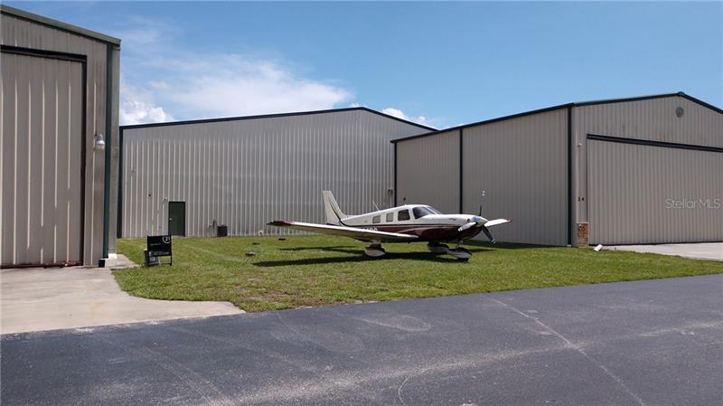 1321  APOPKA AIRPORT RD,  APOPKA, FL