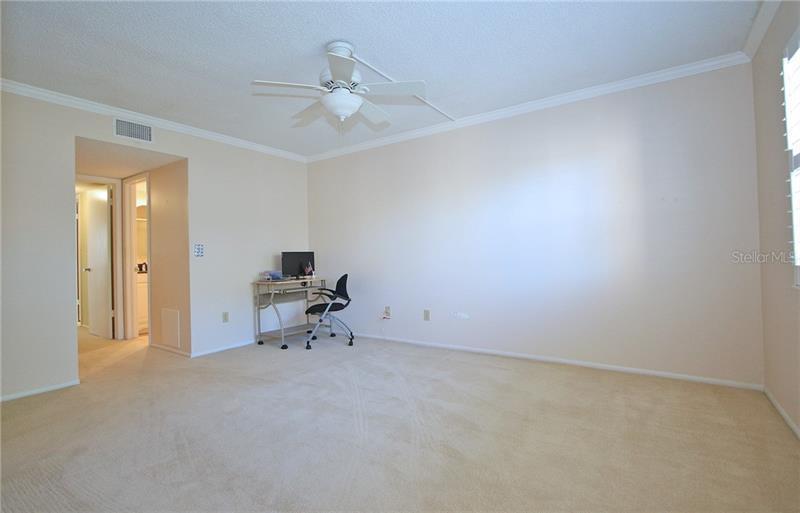 5090 NE BAY 319, ST PETERSBURG, FL, 33703