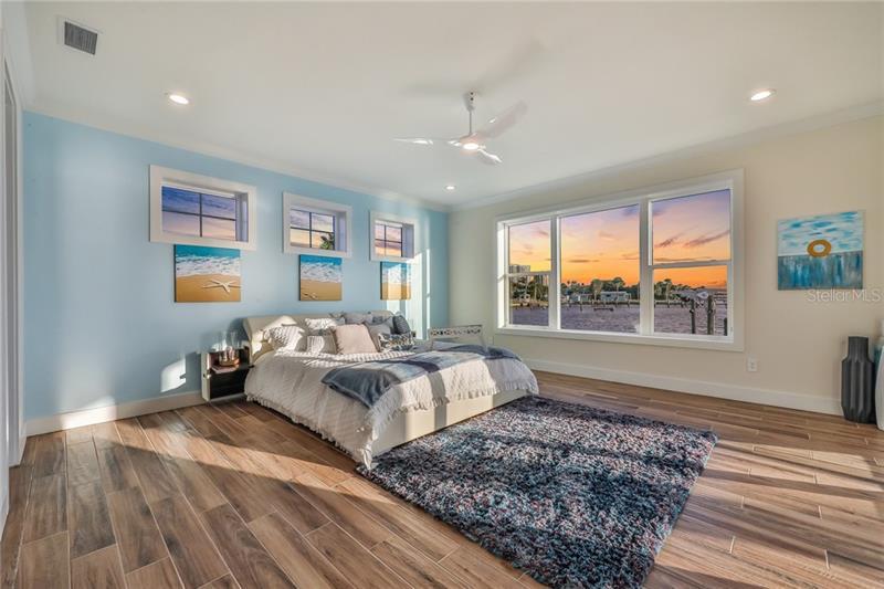 2810 S PENINSULA, DAYTONA BEACH, FL, 32118