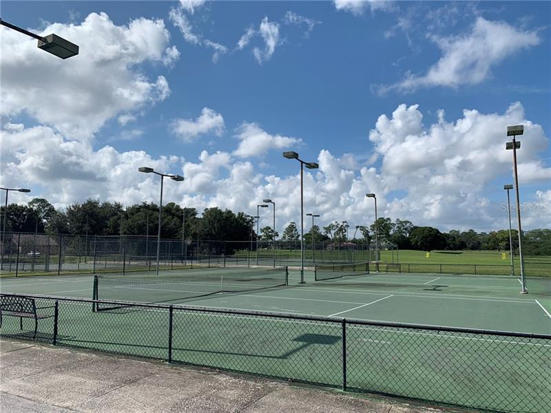 660 CLUBHOUSE, WINTER HAVEN, FL, 33884