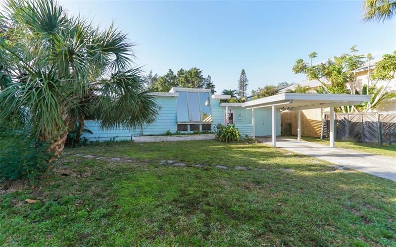 326  ISLAND,  SARASOTA, FL