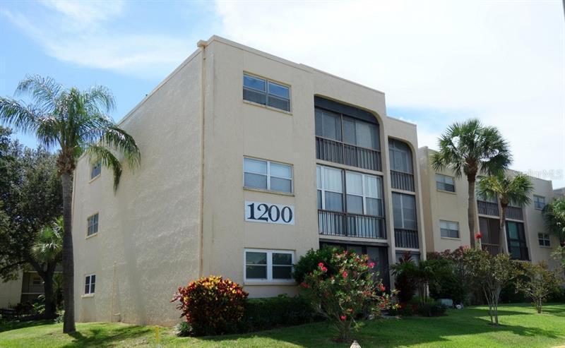 11485  OAKHURST,  LARGO, FL