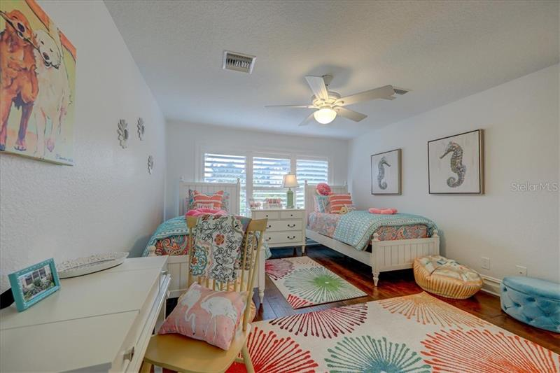 , BELLEAIR BLUFFS, FL, 33770
