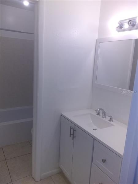 654 N 100TH 205, ST PETERSBURG, FL, 33702