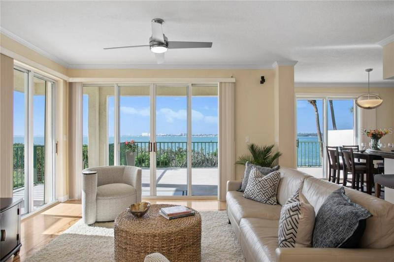4717 S DOLPHIN CAY 102, ST PETERSBURG, FL, 33711