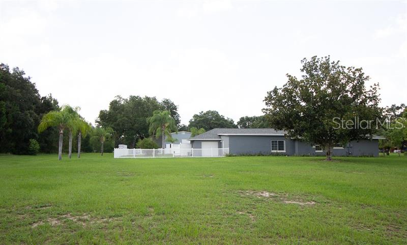 23838 READING, HOWEY IN THE HILLS, FL, 34737