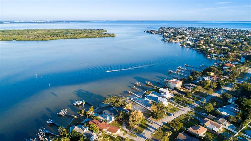 6043 NE BAYOU GRANDE, ST PETERSBURG, FL, 33703