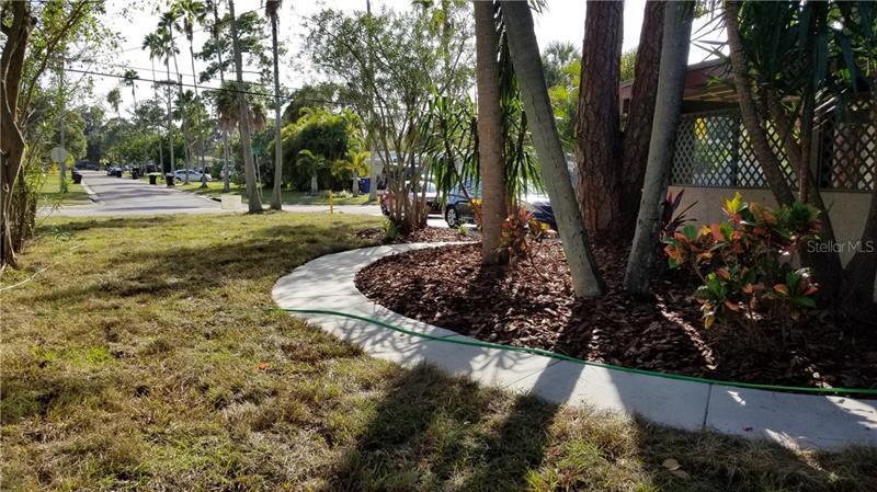 1537 NE DELAWARE, ST PETERSBURG, FL, 33703