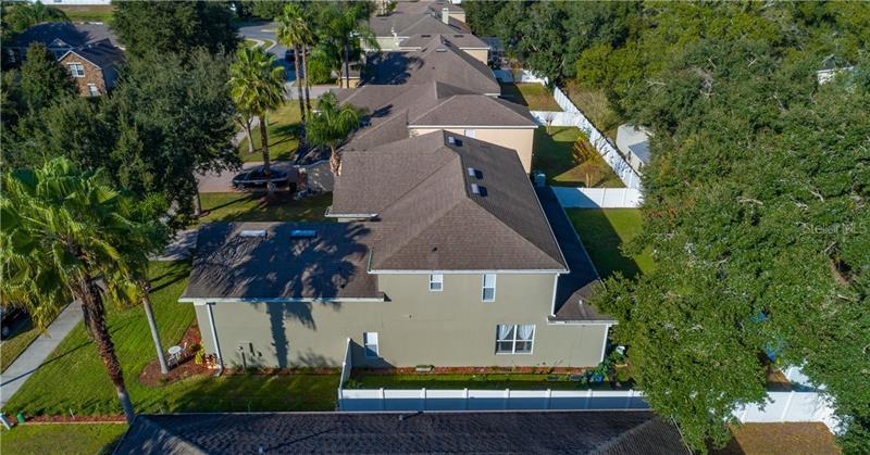 211 E BLUE WATER EDGE, EUSTIS, FL, 32736