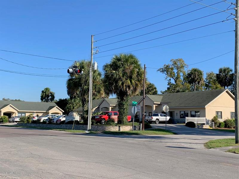 33 S MAIN,  WILLISTON, FL