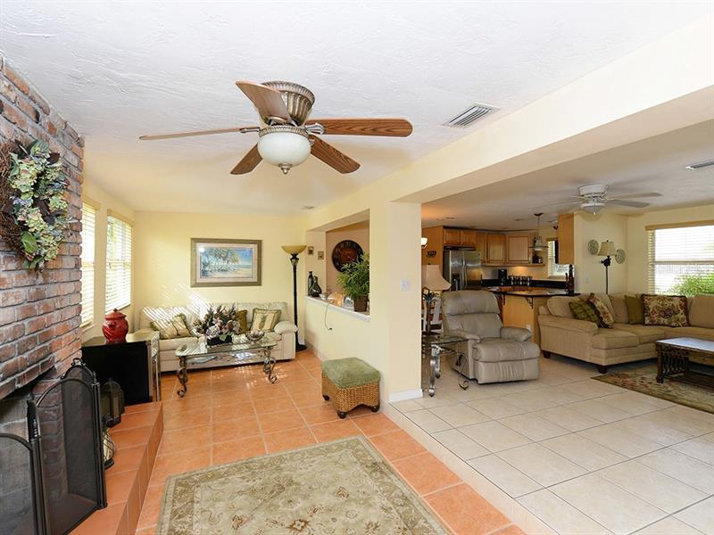 Photo of 726 Jungle Queen Way (A4196293) 13