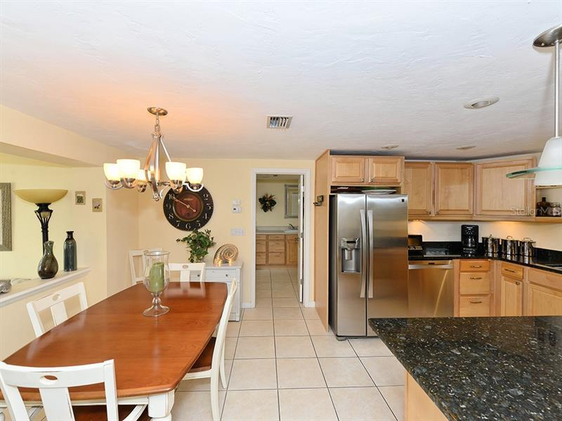 Photo of 726 Jungle Queen Way (A4196293) 18