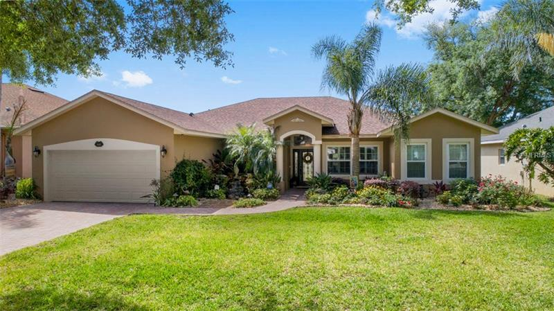 G4854960 Clermont Waterfront Homes, Single Family Waterfront Homes FL