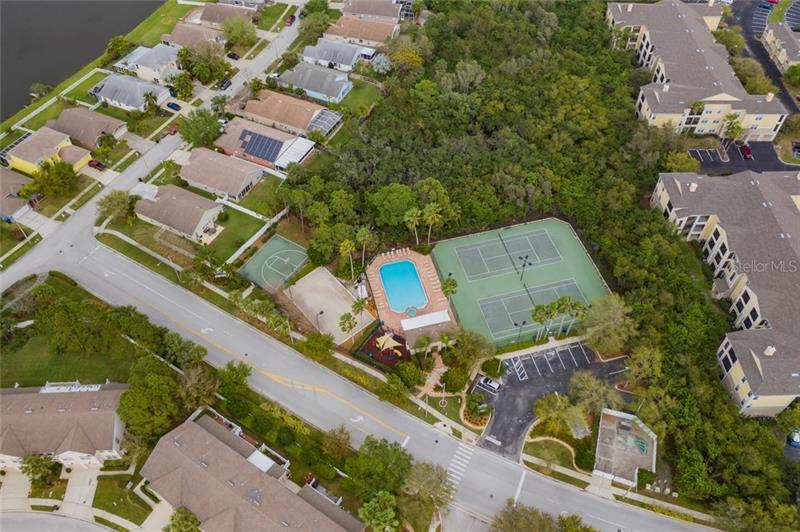 573 NE VALLANCE, ST PETERSBURG, FL, 33716