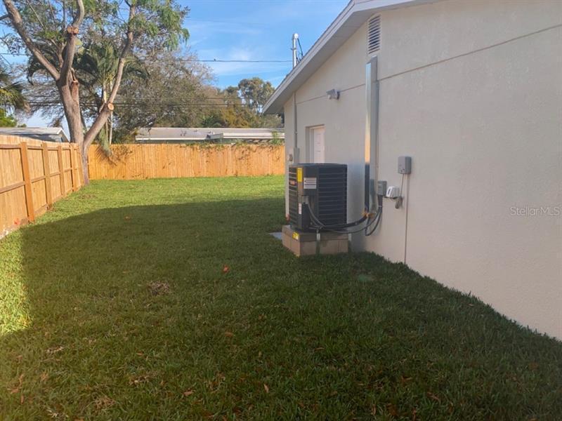 3933 SE PORPOISE, ST PETERSBURG, FL, 33705