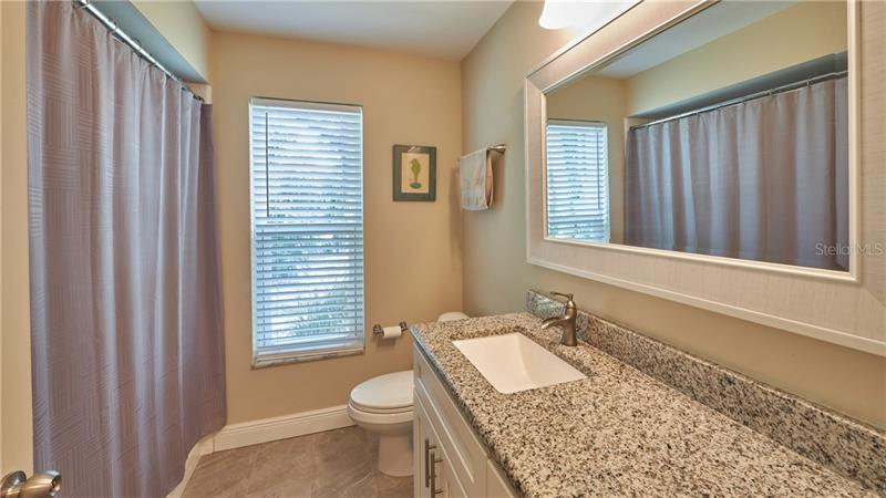 905 S SERPENTINE, ST PETERSBURG, FL, 33705