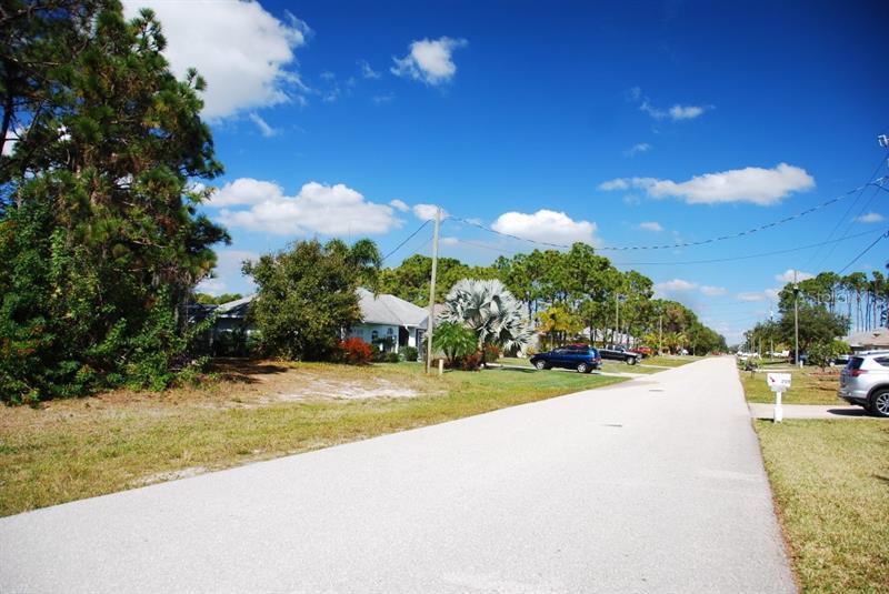 208 MARINER, ROTONDA WEST, FL, 33947