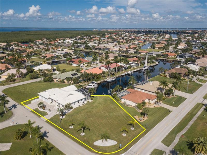 2650  RYAN,  PUNTA GORDA, FL