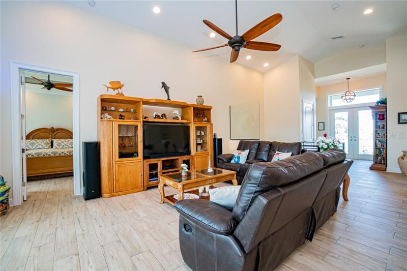 3755 EMERALD, SAINT JAMES CITY, FL, 33956