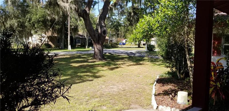 1391 E CROOKED LAKE, EUSTIS, FL, 32726