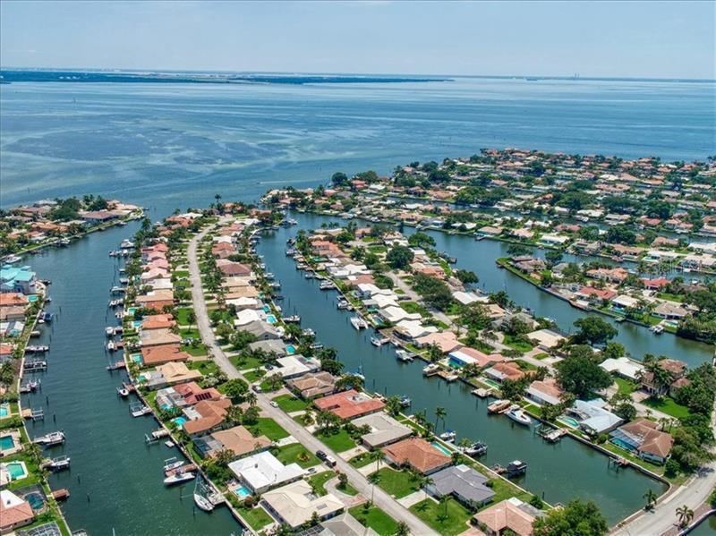 2016 NE MICHIGAN, ST PETERSBURG, FL, 33703