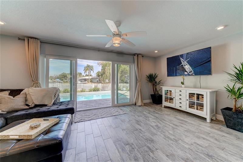 101 N 94TH, ST PETERSBURG, FL, 33702