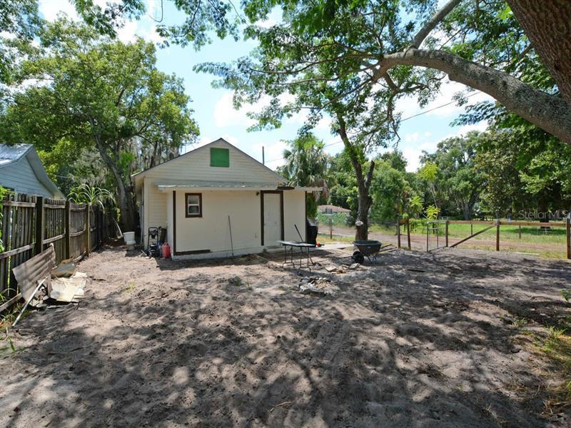 4120 LAKE SAUNDERS, MOUNT DORA, FL, 32757
