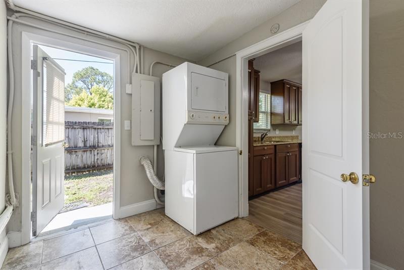 1866 NE OREGON, ST PETERSBURG, FL, 33703
