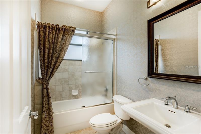 9409 SAN MIGUEL, HOWEY IN THE HILLS, FL, 34737