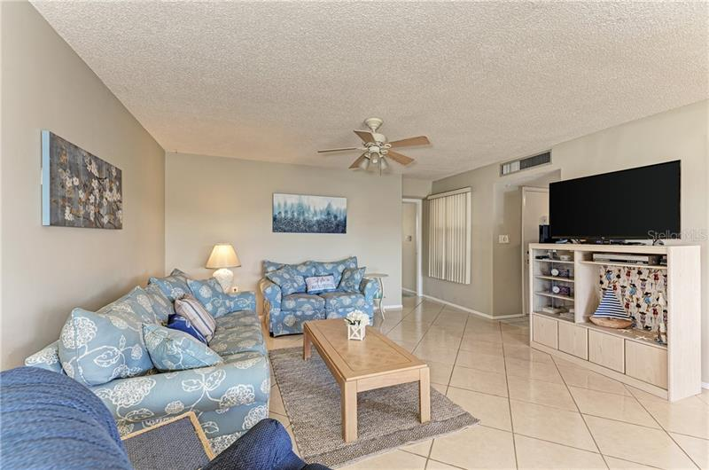 9525 ANTIQUA 9525, BRADENTON, FL, 34210
