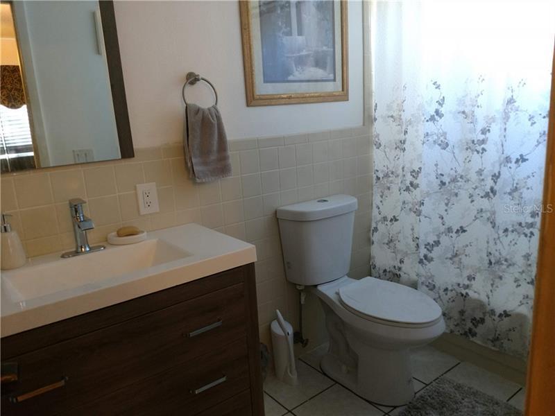 6176 N 9TH, ST PETERSBURG, FL, 33710