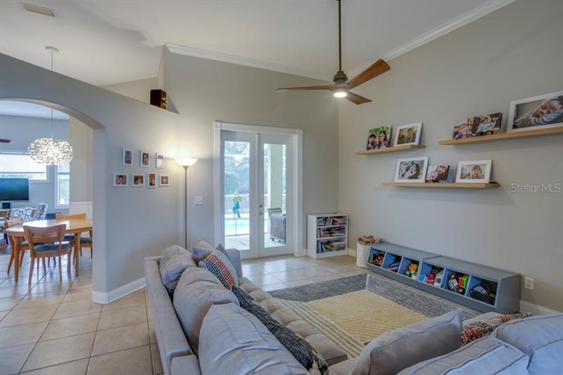 612 NE ADDISON, ST PETERSBURG, FL, 33716