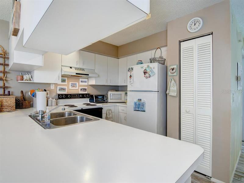 Photo of 6250 Holmes Boulevard #24 (A4163265) 10