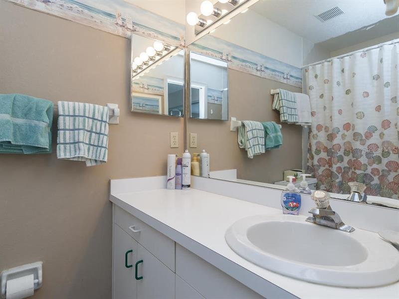 Photo of 6250 Holmes Boulevard #24 (A4163265) 16