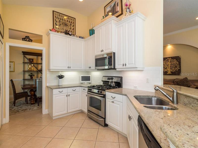 Photo of 7442 Edenmore Street (A4186065) 11