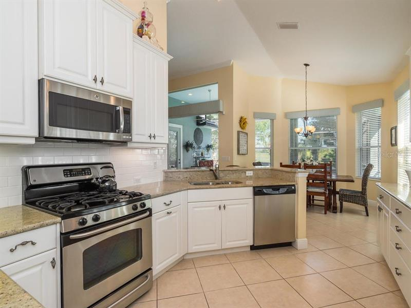 Photo of 7442 Edenmore Street (A4186065) 12