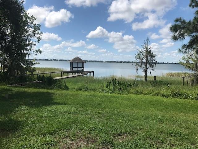 1950  LAKE ARIANA,  AUBURNDALE, FL