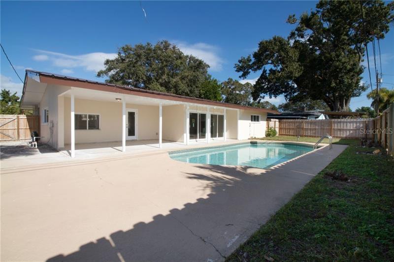 6830 N 11TH, ST PETERSBURG, FL, 33710