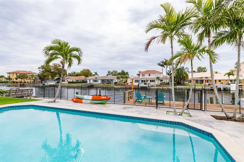 2040 NE ILLINOIS, ST PETERSBURG, FL, 33703